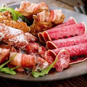 Деликатесни колбаси и месо